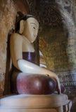 Alte Birmanebuddha-Statue Stockfotografie
