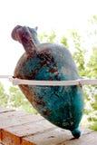 Alte blaue Amphore Lizenzfreies Stockfoto