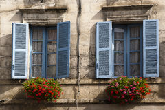 Alte blaue Fenster Brantome Frankreich Stockfotografie