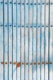 Alte blaue Fensterläden Stockbilder