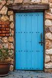 Alte blaue hölzerne Tür Lizenzfreie Stockfotografie