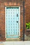 Alte blaue Tür Stockbild