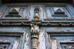 Alte blaue Türen vom 19. Jahrhundert Stockbilder