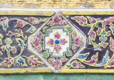 Alte Blumenfliese Stockbild
