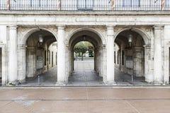 Alte Bogenarchitektur Lizenzfreies Stockfoto