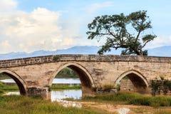 Alte Bogenbrücke in der Südchina Stockfoto