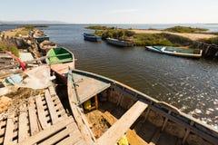Alte Boote am Delta vom Ebro Stockfotografie