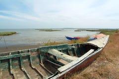 Alte Boote im alten Kanal Stockfotos