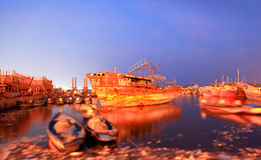 Alte Boote im Fischereihafen Stockfoto