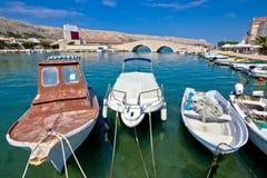 Alte Boote PAG-Insel im Hafen Lizenzfreies Stockbild
