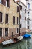 Alte Boote in Venedig, Italien Stockfotografie