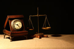 Alte Borduhr und Schwerpunkt Lizenzfreie Stockfotos