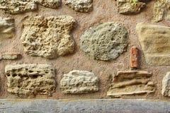 Alte Boulder-Wand Lizenzfreies Stockfoto