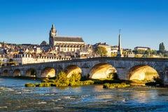 Alte Brücke über der Loire in Blois, Frankreich Lizenzfreie Stockfotos