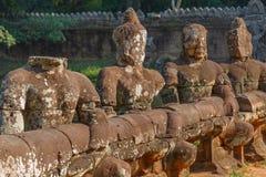 Alte Brücke in Angkor Wat Lizenzfreie Stockfotografie