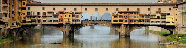 Alte Brücke in Florenz, Panoramaansicht, Italien Lizenzfreie Stockfotos
