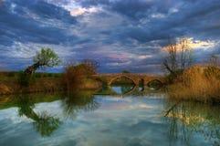 Alte Brücke, gefangen genommen bei Balgarene, Bulgarien Lizenzfreies Stockfoto