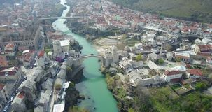 Alte Brücke Mostars über dem Neretva-Fluss Lizenzfreie Stockfotos
