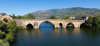 Alte Brücke in Petin Lizenzfreie Stockbilder