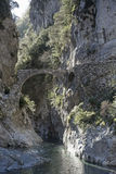 Alte Brücke in Roya Valley Stockbilder