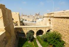 Alte Brücke, zum sich in Vittoriosa zurückzuziehen Lizenzfreies Stockbild