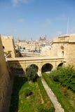 Alte Brücke, zum sich in Vittoriosa zurückzuziehen Stockbilder