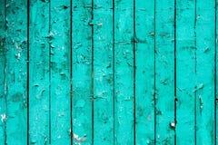 Alte Bretter mit gebrochener cyan-blauer Farbe Strukturierter hölzerner alter Hintergrund mit vertikalen Linien Hölzerne Planken  Stockfotos