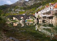 Alte bricked Brücke Stockfotografie