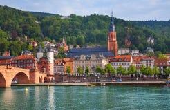 Alte Brucke桥梁和内卡河看法  免版税库存图片