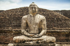 Alte Buddha-Statue bei Polonnaruwa Stockbilder