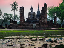 Alte Buddha-Statue bei Wat Mahathat, Sukhothai-Provinz, Thailand Stockbilder