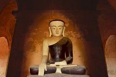 Alte Buddha-Statue, die in der Meditation sitzt Bagan, Myanmar Lizenzfreie Stockbilder