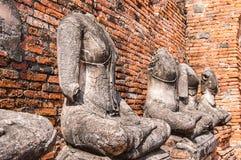 Alte Buddha-Statuen an Chaiwatthanaram-Tempel in Ayutthaya, Thaila Lizenzfreie Stockfotos