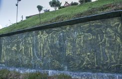 Alte buddhistische Lebenkreisgeschichte geschnitzt auf dem Brett stockbilder