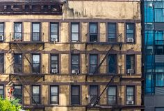 Alte Buiding-Fassade in Manhattan Lizenzfreies Stockbild