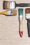 Alte bunte Pinsel mit den Farben, mit copyspace lizenzfreies stockfoto
