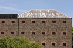 Alte Bushmills-Brennereifabrik. Nordirland Stockbild