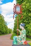 Alte Chinesisch-ähnliche Parkskulptur stockbild