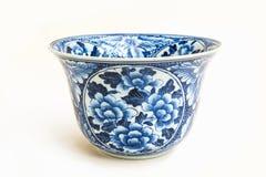 Alte chinesische Blumenmuster-Artmalerei auf der keramischen Schüssel Stockbilder