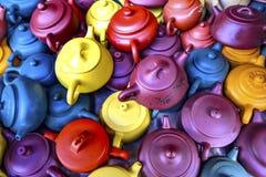 Alte chinesische keramische Tee-Töpfe Panjuan-Flohmarkt Peking China lizenzfreies stockbild