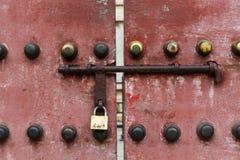 Alte chinesische Tür stockbild