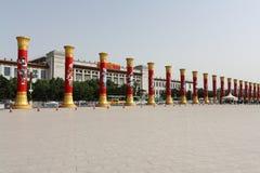 Alte colonne per il sessantesimo anniversario Cina Immagine Stock