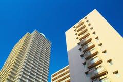 Alte costruzioni di appartamento di aumento Immagine Stock