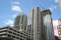 Alte costruzioni di appartamento di aumento Fotografia Stock Libera da Diritti