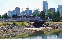 Alte costruzioni di aumento a lungomare di Vancouver Fotografia Stock