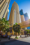 Alte costruzioni e vie di aumento nel Dubai, UAE Immagine Stock Libera da Diritti