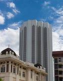 Alte costruzioni moderne nel centro urbano di Kuala Lumpur Fotografia Stock Libera da Diritti
