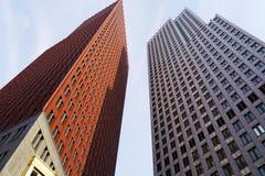 Alte costruzioni moderne nella città Fotografia Stock