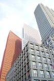 Alte costruzioni moderne nella città Immagini Stock