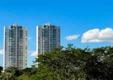 Alte costruzioni moderne nella città Fotografia Stock Libera da Diritti